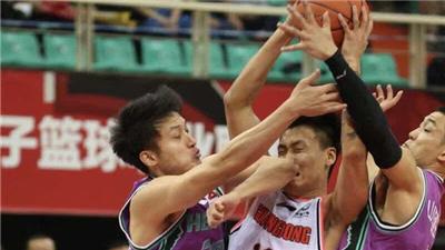CBA:广东半场过后领先优势达30分最终大胜山东 半决赛占得先机