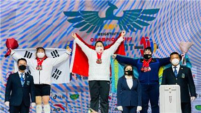 举重亚锦赛李雯雯打破三项世界纪录 为中国队亚锦赛之行画上完美句号