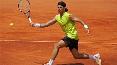 总奖金为48万欧元的埃斯托里尔网球公开赛正赛开启