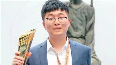 杨鼎新胜芈昱廷 第三次夺得西南王赛事冠军