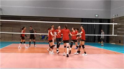 """中国女排""""闭环""""管理备战与日本女排的东京奥运会测试赛"""