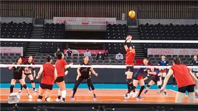 内部交流赛中郎平率领的中国女排以5:0战胜日本女排