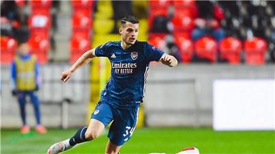 欧罗巴联赛:比利亚雷亚尔主场2:1击败英超劲旅阿森纳 占据先机