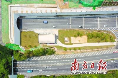 华南快速路石门堂山隧道扩建的新隧道正式通车